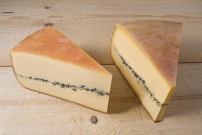 Le Morbier de la fromagerie Monnin à Chantrans dans le Doubs