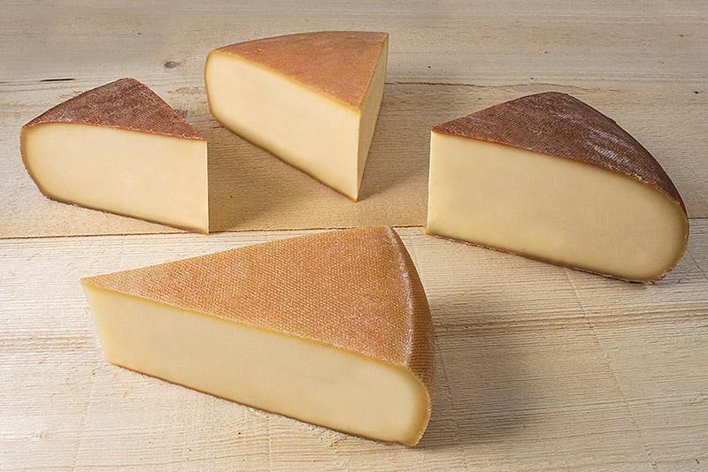 La raclette de la fromagerie Monnin à Chantrans dans le Doubs
